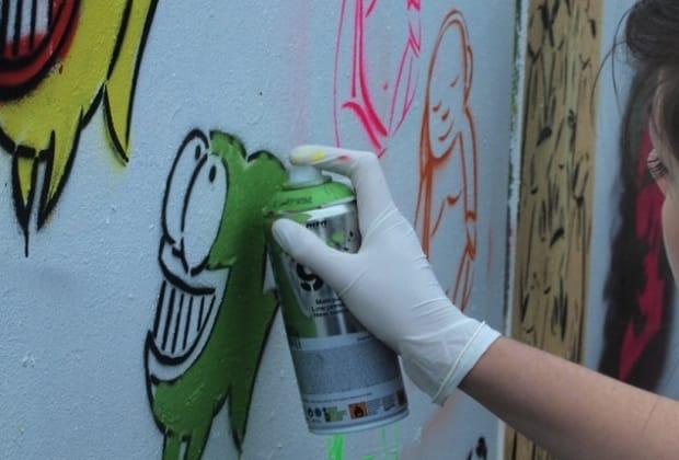 spray paint graffitti
